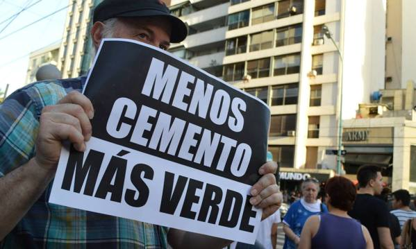 Protestas en contra de la construcción del Shopping en Caballito.